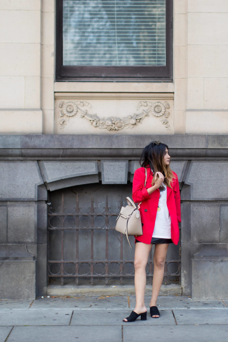 celine_belt_red_coat_city-32