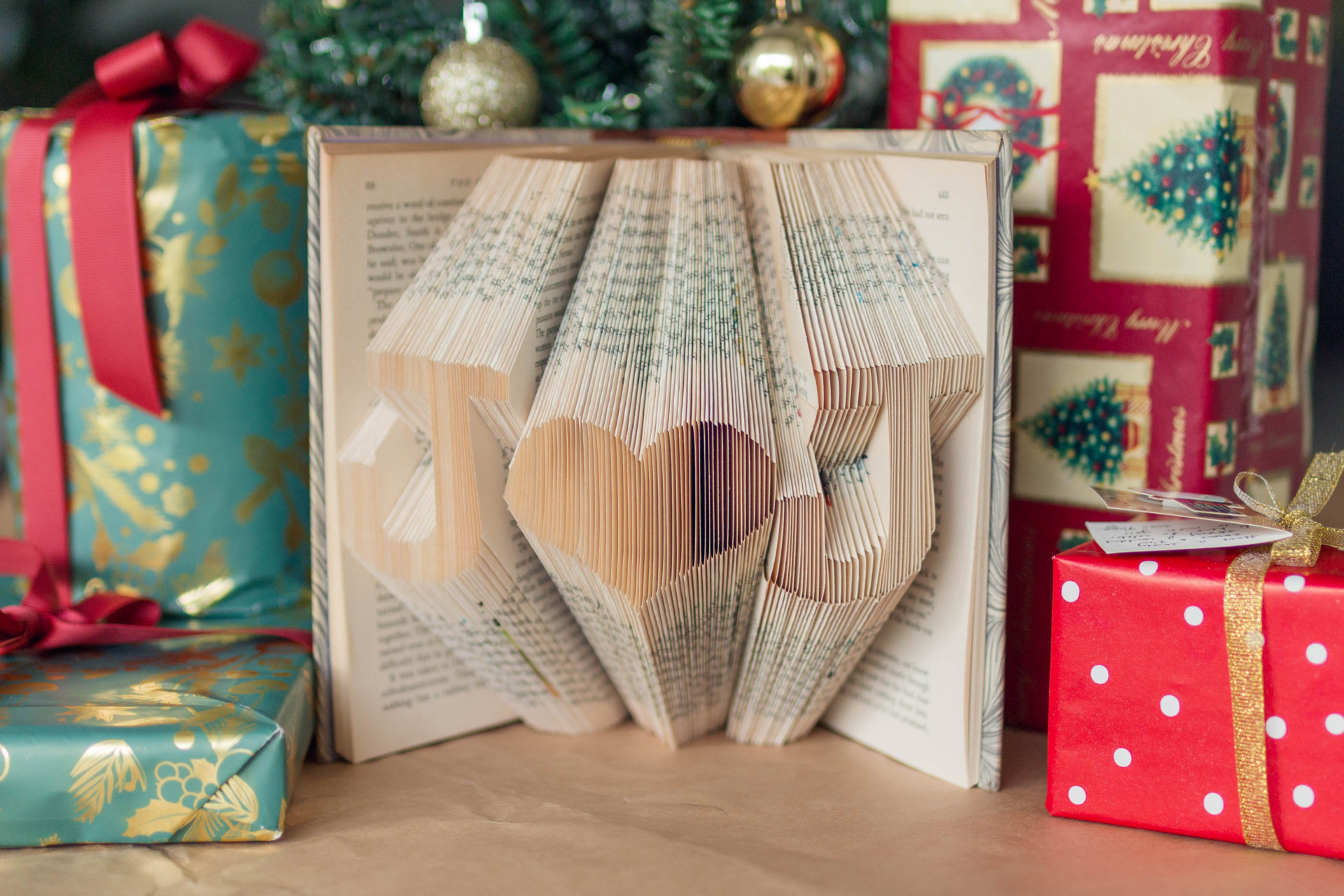 Customise your Christmas with Etsy | A Christmas Gift Guide | heyyyjune.